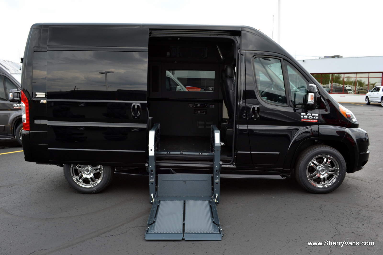 Handicap vans wheelchair vans accessible vans wheelchair for Handicap wheelchair