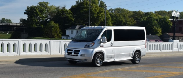5 Events When Hiring a Limo Van Can Save the Day