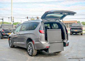 chrysler-voyager-wheelchair-van